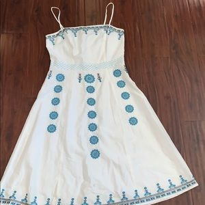 White and blue patterned dress! Size 5